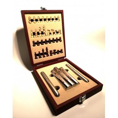 Σετ δώρου ξύλινο σκάκι με φλασκί και 2 πουροθήκες